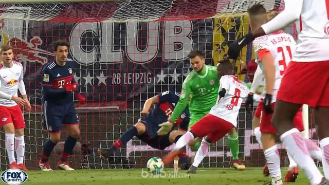 Naby Keita mencetak satu gol saat RB Leipzig menang 2-1 atas Bayern Munchen. This video is presented by Ballball.