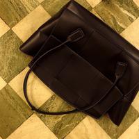 Inspirasi tren Maxi Bag yang seru untuk dipakai