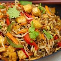 Resep menu berbuaka puasa, Tumis Tahu Kecambah. foto: RecipeLand.com