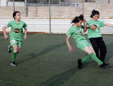 Foto: Mengintip Sesi Latihan Klub Sepak Bola Putri di Palestina
