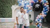 Momen Kesha Ratuliu dan Adhi Permana Ungkap Jenis Kelamin Anak. (Sumber: Instagram.com/kesharatuliu05)