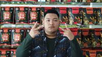 Muhammad Ravie Cahya Ansor (21) atau disapa Ravie membangun bisnis makanan ringan crispy fish skin berlabel Rafins. (Istimewa)