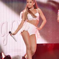 Ariana menjelaskan bahwa ketika ia mengatakan fokus pada dirinya, ia tidak bertanya untuk menjadi pusat perhatian. (AFP/Bintang.com)