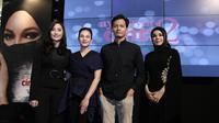 "Para pemain Ayat-Ayat Cinta 2 berfoto bersama saat acara Prolog ""Ayat-Ayat Cinta 2 di Senayan City, Jakarta, Jumat (7/7/2017). (Herman Zakharia/ Liputan6.com)"