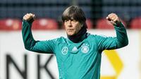 Joachim Low menyebut Jerman mempunyai pemain muda yang potensial dan memiliki kualitas yang mumpuni. (AFP/Robert Michael)