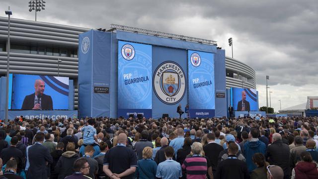Pep Guardiola dan Sambutan Unik Manchester City