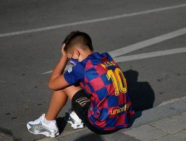 Mengharukan, Fans Cilik Kecewa Lionel Messi Tak Datang ke Lokasi Latihan Barcelona