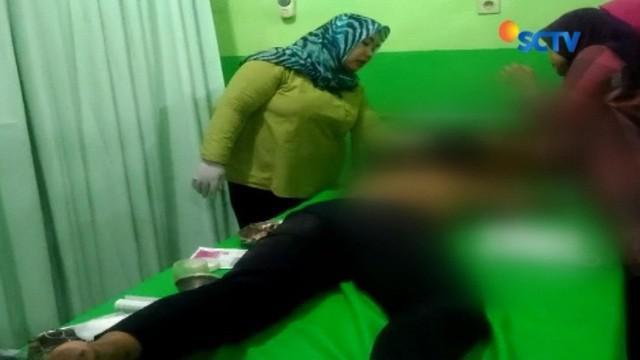 Dua kelompok pelajar Kabupaten Kendal, Jawa Tengah, terlibat tawuran menggunakan senjata tajam. Dalam kejadian itu seorang pelajar tewas, sementara satu lainnya mengalami luka terkena sabetan senjata tajam.