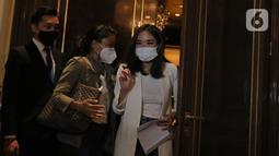 Gisella Anastasia atau Gisel bersiap menggelar jumpa pers di kawasan Gatot Subroto, Jakarta, Rabu (6/1/2021). akhirnya buka suara terkait kasus video syur yang menjerat dirinya bersama dengan Michael Yukinobu De Fretes (MYD). (Liputan6.com/Herman Zakharia)