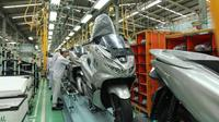 Terus melakukan ekspansi, PT Astra Honda Motor (AHM) akhirnya mengekspor Honda PCX dalam bentuk Completely Knock Down (CKD) ke luar Asia, yaitu Brazil.