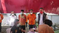 Mensos Juliari P Batubara saat menghadiri kegiatan penyaluran bansos di Kantor Pos Kecamatan Taman, Kabupaten Pemalang, Jawa Tengah, Jumat, 20 November 2020.