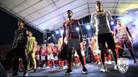 Bali United meluncurkan jersey baru untuk kompetisi musim 2018, Sabtu (24/2/2018). Jersey ini dipenuhi 16 logo sponsor. (Bola.com/Dok. Bali United)