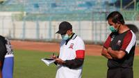 Pelatih Madura United, Rahmad Darmawan. (Bola.com/Permana Kusumadijaya)