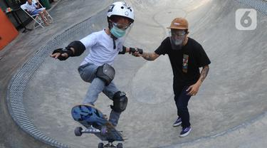 Berlatih Skateboard dengan Menerapkan Protokol Kesehatan
