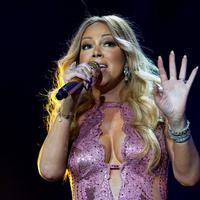 Kisah cinta Mariah Carey kembali memburuk. Setelah beberapa bulan menjalin hubungan dengan penari latarnya, Bryan Tanaka, kini keduanya dikabarkan telah mengakhiri hubungan mereka.  (AFP/Bintang.com)