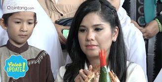 Annisa Pohan merayakan ulang tahunnya yang ke-35 bersama suami, anak dan anak-anak yatim.