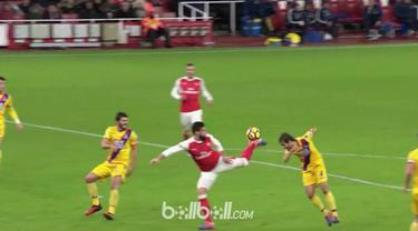Berita video gol scorpion kick Olivier Giroud yang membawa dirinya meraih FIFA Puskas Award. This video presented by BallBall.