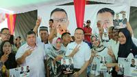 Cagub Sumsel Aswari Rivai saat silaturahmi ke Relawan Sumsel Baru di Kecamatan Seberang Ulu I Palembang (Liputan6.com / Nefri Inge)