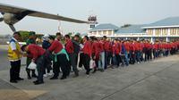 Rombongan para insinyur berstatus CPNS ini sengaja dilepas untuk menjadi tenaga pendamping bagi masyarakat Lombok dalam membangun rumah kualitas tahan gempa. Foto: Liputan6.com/Maulandy
