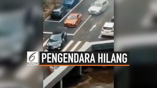 Sebuah video menunjukkan puluhan pengendara hilang saat masuk ke pembatas jembatan. Setelah ditelusuri, ternyata video tersebut hanya ilusi optik semata. Bagian yang disebut jembatan ternyata atap dari sebuah gedung.
