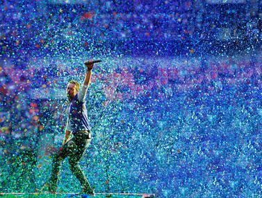 Aksi Panggung Chris Martin di Berbagai Pertunjukan Coldplay