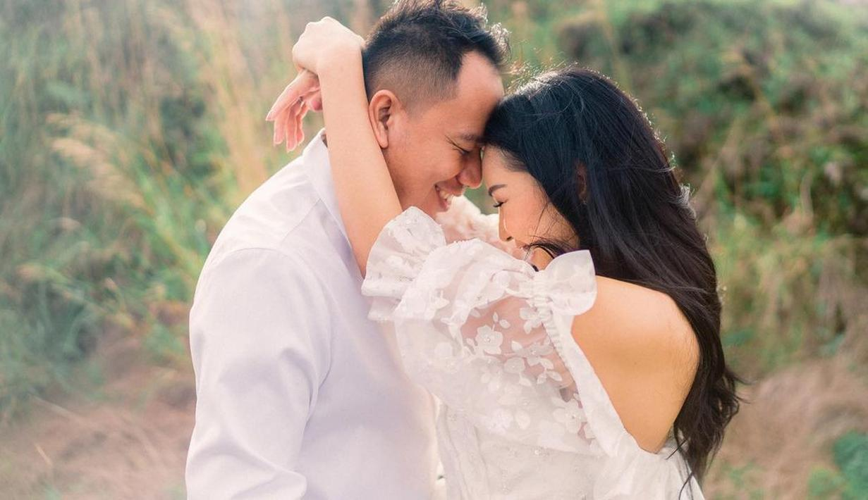 Kalina Octaranny dan Vicky Prasetyo batal menikah hari ini, Minggu (21/2/2021). Kabar tersebut diketahui dari unggahan Kalina di akun Instagramnya beberapa hari lalu.  (Instagram/kalinaoctaranny)