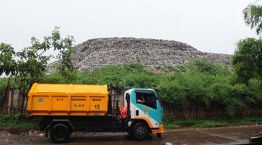 Penampakan Gunungan Sampah di TPA Burangkeng Bekasi