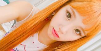Penampilan merupakan salah satu bagian penting bagi seorang idol. Wajar jika para idol selalu gonta ganti model gaya rambut. Salah satu contoh idol yang kerap gonta ganti model rambut adalah Chaeyoung TWICE. (Foto: instagram.com/twicetagram)