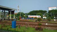 PT KAI Daops 3 Cirebon mengubah jadwal perjalanan per 1 Desember 2019. Foto (Liputan6.com / Panji Prayitno)