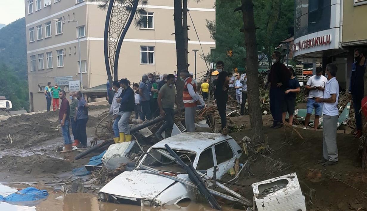 FOTO: Banjir Landa Giresun Turki, Enam Orang Tewas - Global Liputan6.com