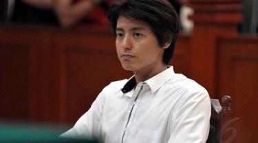Sidang kasus narkoba yang melibatkan Roger Danuarta, kembali digelar di Pengadilan Negeri Jakarta, (11/6/14) (Liputan6.com/Panji Diksana)