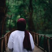 Masalah rambut  dengan hijab (Foto: Ekrulila from Pexels)