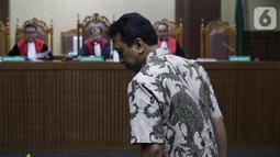 Terdakwa dugaan suap jual-beli jabatan di lingkungan Kemenag, M Romahurmuziy saat menjalani sidang lanjutan di Pengadilan Tipikor, Jakarta, Rabu (23/10/2019). Sidang mendengar keterangan saksi, salah satunya Kepala Kemenag Gresik Muafaq Wirahadi (Liputan6.com/Helmi Fithriansyah)
