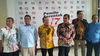 Timses Prabowo-Sandiaga menyambangi gedung KPU. (Merdeka.com)