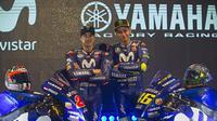 Duo pebalap Yamaha, Valentino Rossi (kanan) dan Maverick Vinales. (AP/Paul White)
