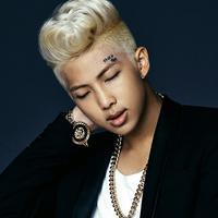 Salah satu idol K-Pop yang pintar adalah Rap Monster BTS. Cowok berwajah manis ini mempunyai nilai IQ sebesar 148. (Foto: soompi.com)