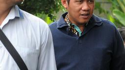 Direktur Bisnis PLN Regional Sumatera, Wiluyo Kusdwiharto tiba di Gedung KPK, Jakarta, Jumat (14/9). Wiluyo Kusdwiharto diperiksa terkait kasus suap Rp 4,8 miliar proyek pembangunan PLTU Riau-1. (Merdeka.com/Dwi Narwoko)