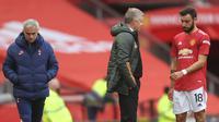 Ole Gunnar Solskjaer selaku pelatih Manchester United pun memperingatkan kepada sang bintang untuk tidak emosi dan tempramental di lapangan. (Foto: AFP/Carl Recine)