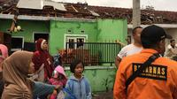 Sebanyak 640 unit rumah rusak akibat angin puting beliung gang melanda wilayah Rancaekek, Kabupaten Bandung, Jumat (11/1/2019). (Dok. Basarnas)