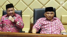 """Politisi PAN, Amien Rais dan Wakil Ketua DPR Fahri Hamzah menjadi narasumber saat pernyataan sikap """"DPT Bermasalah: Pemilu 2019 Berpotensi Chaos!"""", Jakarta, Selasa (9/4).BPN Prabowo menanggapi penanganan  KPU terkait laporan dugaan DPT tidak wajar ganda invalid manipulatif.(Liputan6.com/Johan Tallo)"""
