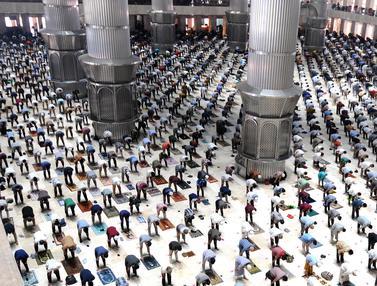 Suasana Sholat Jumat Minggu Ketiga Ramadhan di Masjid Istiqlal