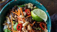 Rice Bowl Daging dengan Kemangi dan Serai ala Thailand   via: food.com