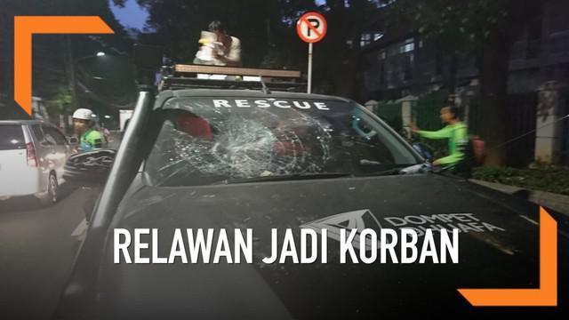 Sebanyak 3 relawan Dompet Dhuafa menjadi korban kekersan oknum kepolisian saat aksi 22 Mei 2019. Akibatnya ketiganya mengalami luka dan 2 kendaraan alami kerusakan.