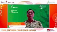 Direktur PT Kalbe Farma Tbk (KLBF) Bernadus Karmin Winata pada paparan publik, Rabu (8/9/2021) (Dok: Liputan6.com/Pipit Ramadhani)