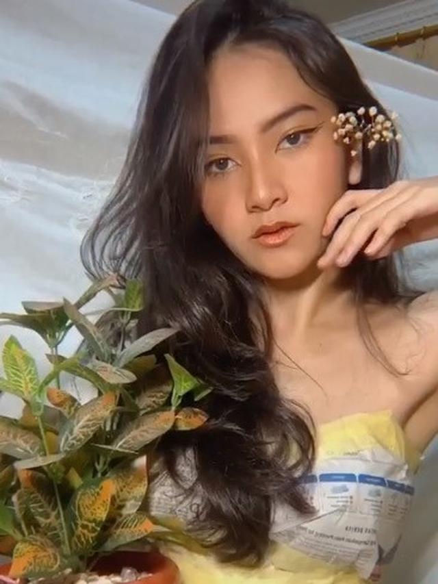 Viral, 7 Potret Netizen Pakai Gaun dari Koran Ini Bisa Tampil Menawan