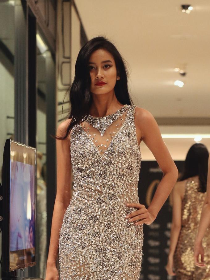 Intip Koleksi Gaun Mewah Untuk Pesta Akhir Tahun Fashion Fimela Com