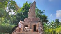 Penampakan pembangunan makam tokoh adat Sunda Wiwitan Cigugur Kabupaten Kuningan Jawa Barat terhenti karena dianggap melanggar aturan. Foto (Liputan6.com / Panji Prayitno)