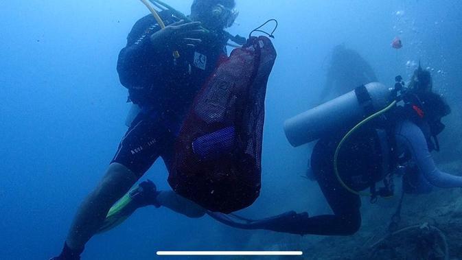 Aksi Menyelam Bersih Laut World Cleanup Day di Kepulauan Seribu (Foto: Hobby Dive)