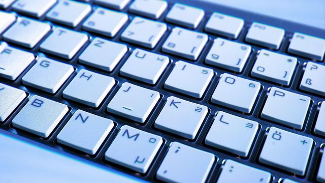 Hasil gambar untuk posisi tangan pada keyboard