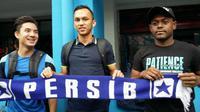 Tiga pemain PBR, Kim Jeffrey Kurniawan, Rachmad Hidayat, dan David Laly tiba di mes Persib, Kamis (21/1/2016).